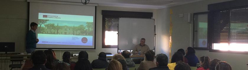 Los alumnos de 2º de Bachillerato del IES Antonio Calvin reciben información sobre la Universidad de Castilla-La Mancha