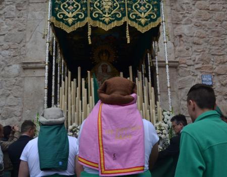 La procesión del Hambre sale a la calle