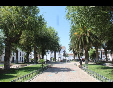 El baile del vermú tendrá lugar en los jardines de la plaza como novedad de la Feria y Fiestas 2019