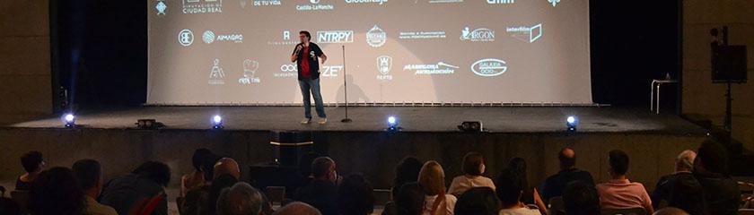 El III Festival de Cine de Almagro arranca con humor y magia en el Teatro Adolfo Marsillach