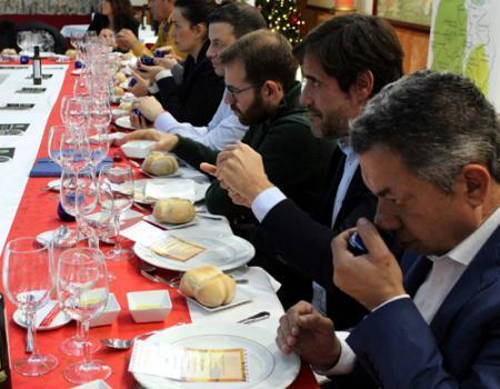La DO Aceite Campo de Calatrava presenta los primeros aceites de oliva virgen extra de la campaña