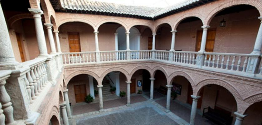 LA  UNIVERSIDAD POPULAR DE ALMAGRO  SE QUEDA CONTIGO EN CASA DURANTE COVID-19