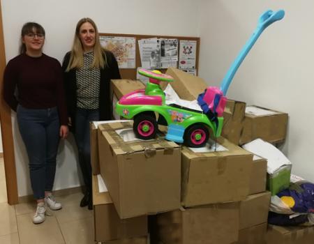 Juventudes Socialistas preparó 30 lotes de juguetes para familias de Almagro