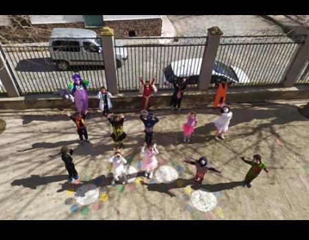 Los colegios celebran el Carnaval con restricciones pero sin perder su esencia