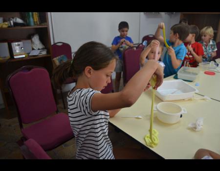 La Universidad Popular se sumerge en el verano con actividades para todas las edades