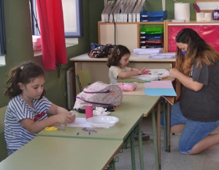 La Escuela de Verano arranca con 20 niños inscritos y con todas las medidas de seguridad