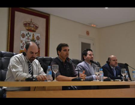 El Palacio de los Condes de Valdeparaíso acoge la primera jornada para impulsar la creación de un geoparque en la provincia
