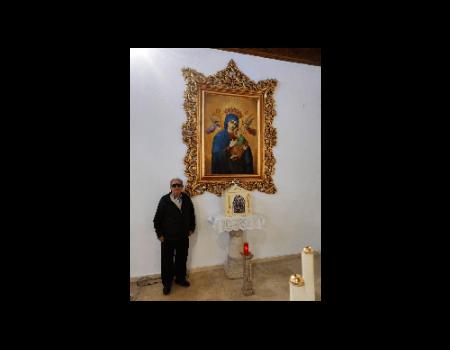 La Hermandad de Santiago recibe la donación de un cuadro de María Santísima del Perpetuo Socorro
