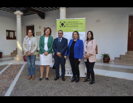 La I Convención de técnicos de cooperativas agroalimentarias de la región se celebra en Almagro