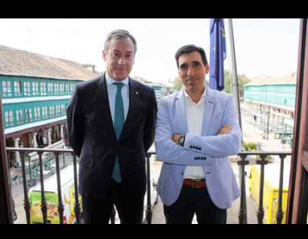 El alcalde recibe al presidente de Eurocaja Rural