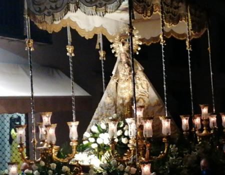 La Patrona regresa a Almagro en la primera procesión de la ciudad encajera en la nueva normalidad