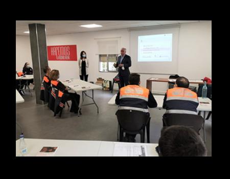 Voluntarios de Protección Civil de Almagro participan en un curso de uso de desfibrilador