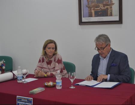 """El cronista de Almagro impartió la charla 𠇎llas mismas"""" sobre mujeres relevantes de la ciudad"""