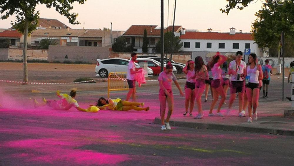 El Recinto Ferial de Almagro se llenó de colores con la Holi Run el pasado sábado
