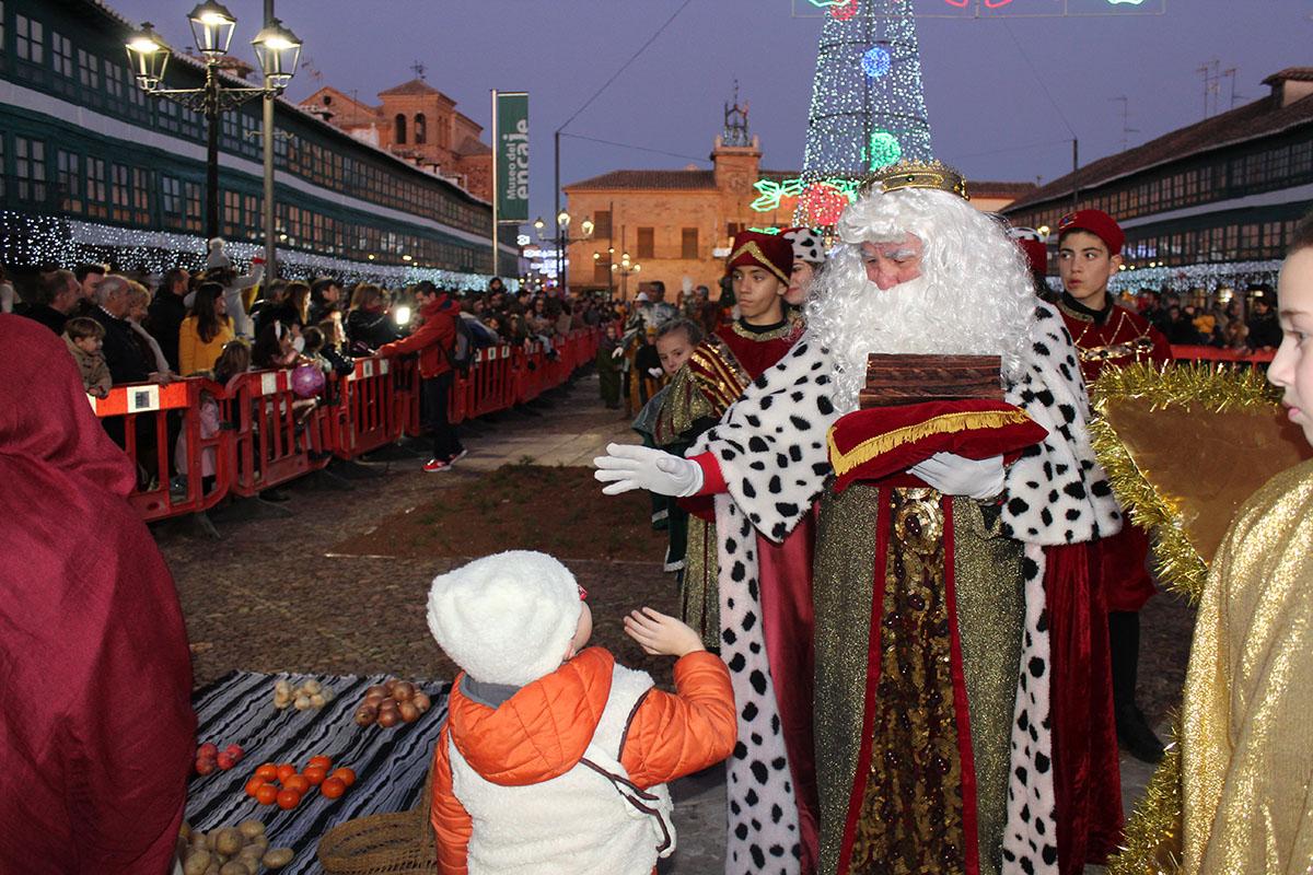 Los Reyes Magos de Oriente vuelven a llenar de ilusión las calles de Almagro