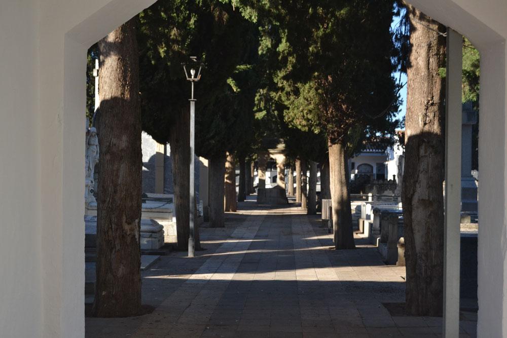 El cementerio reabre este jueves