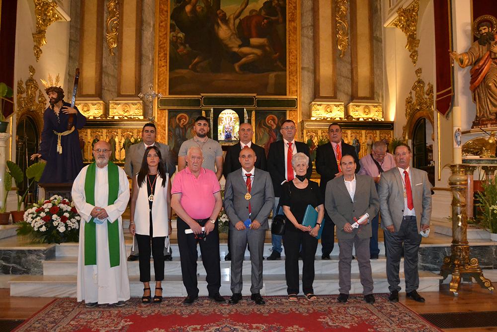 La Compañía Romana rinde homenaje a sus armaos con más de 50 años de servicio a la hermandad